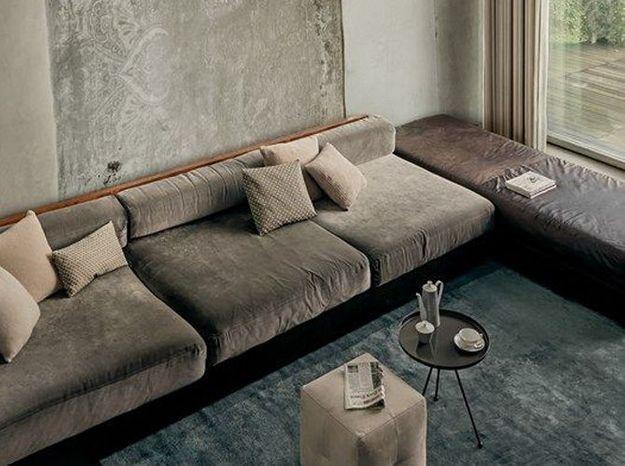 Un salon minimaliste gris
