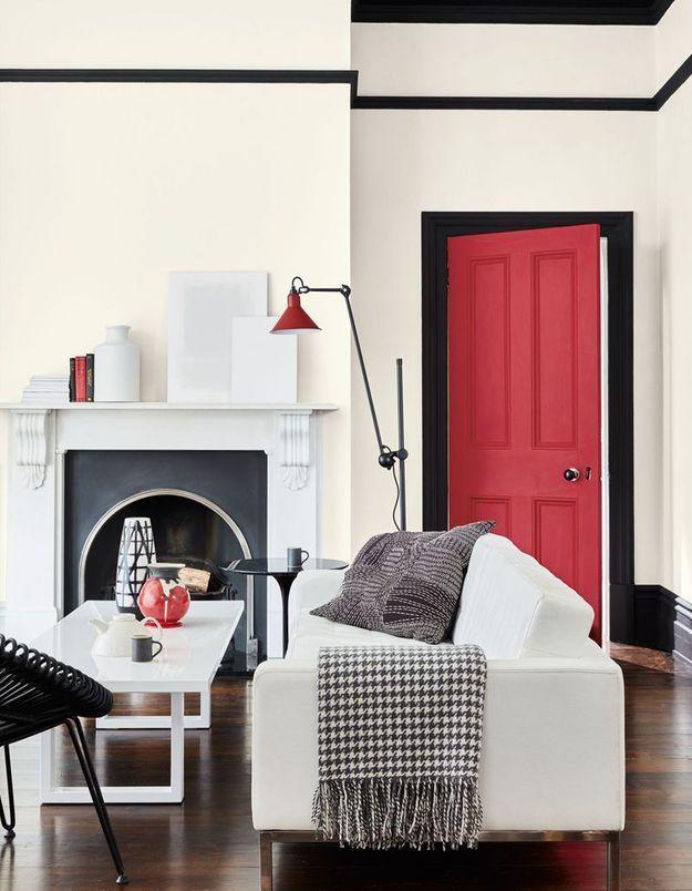Un salon noir et blanc cosy