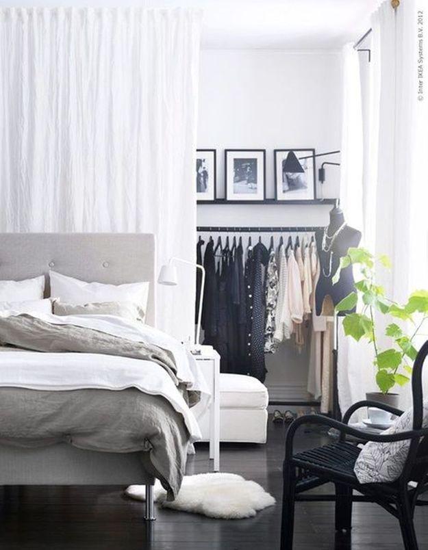 des rideaux derri re la t te de lit pour s parer la chambre du dressing inspiration 10. Black Bedroom Furniture Sets. Home Design Ideas