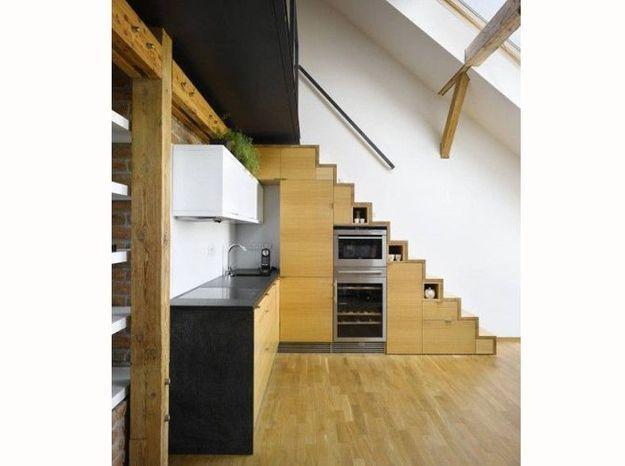 De l'électroménager sous l'escalier