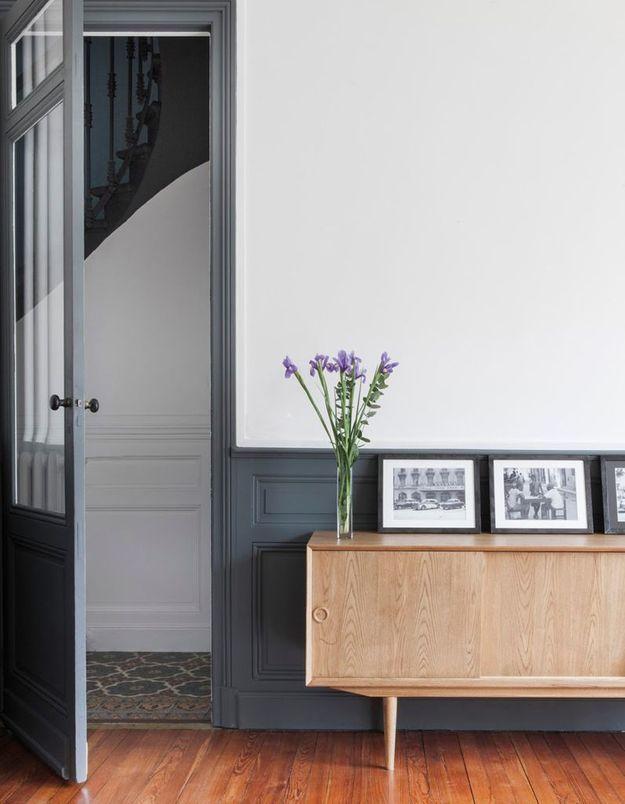 Une porte semi-vitrée repeinte