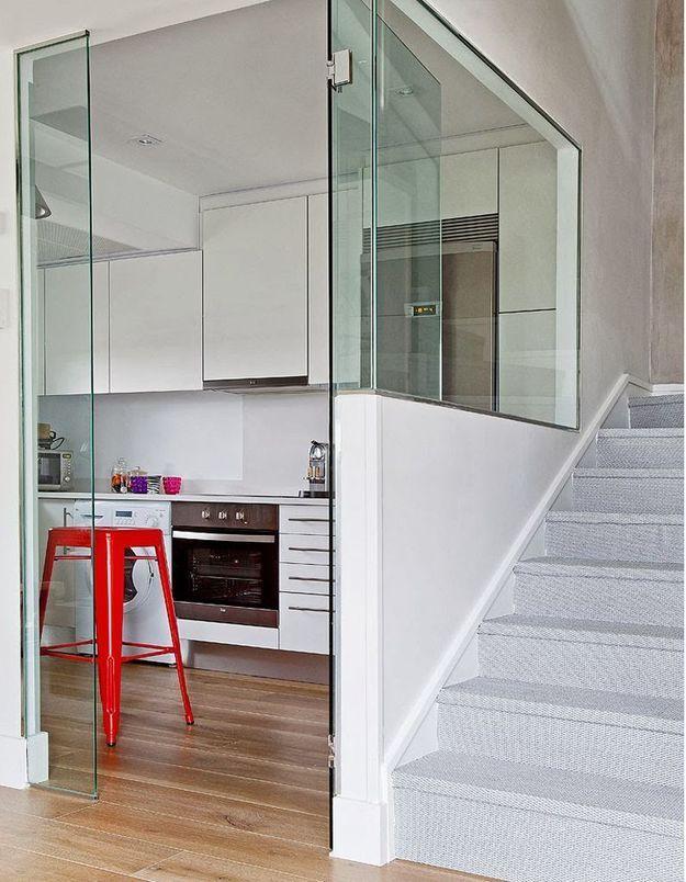 Une porte vitrée au total look verre