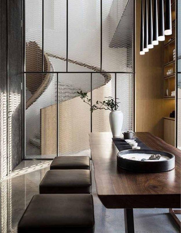 Une verrière intérieure design grâce au verre travaillé