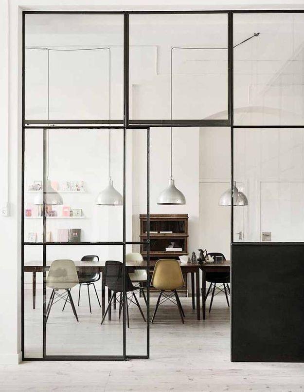 Une verrière intérieure qui sublime la salle à manger