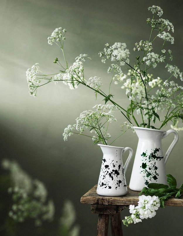Des pichets Ikea détournés en vases