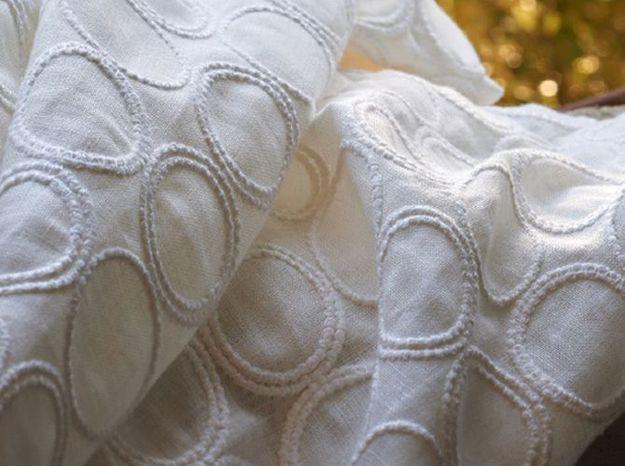 Tissu dentelle blanche