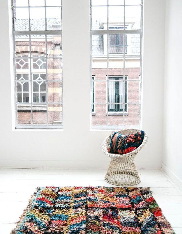Un tapis épais qui remplace la moquette pour une décoration cosy