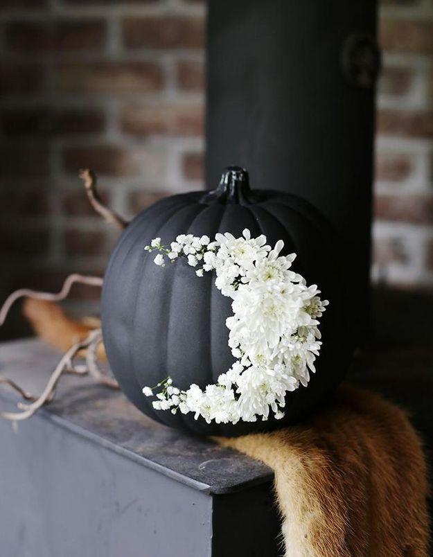 Citrouille décorée de fleurs pour Halloween