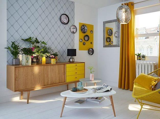 Une salon blanc et jaune pour un résultat plein de bonnes ondes