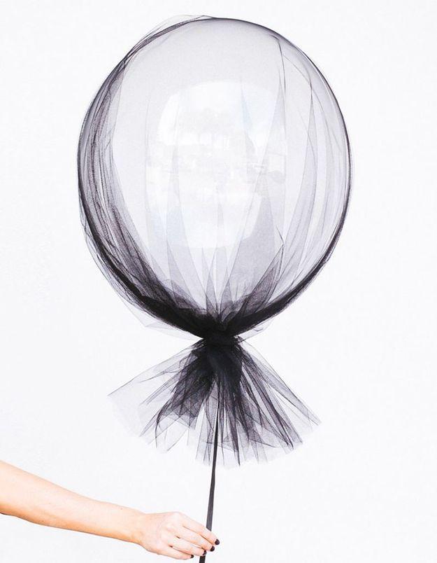 Décoration Halloween : le ballon noir