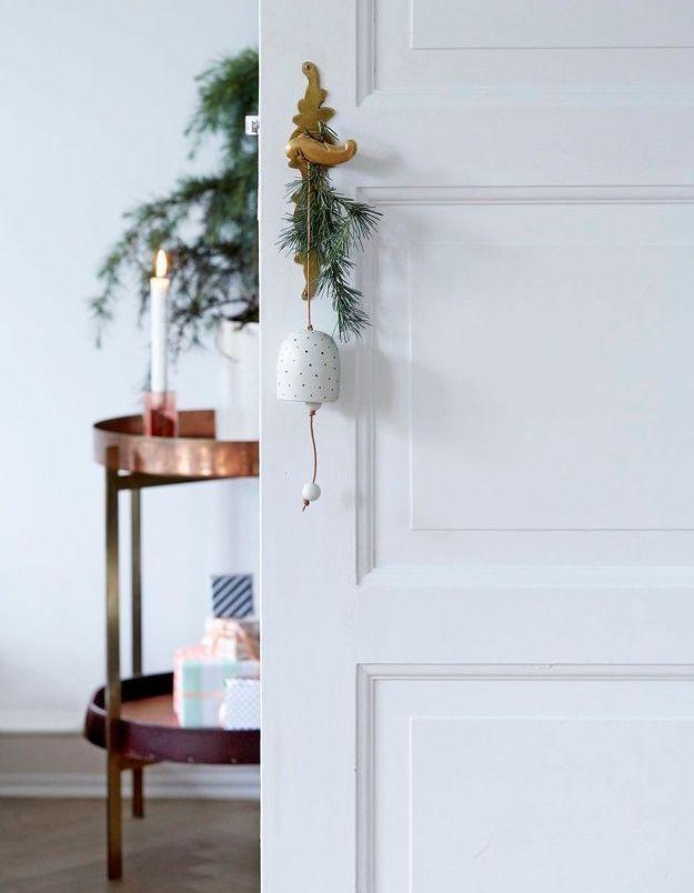 Les plus jolies d cos de portes de no l elle d coration - Acheter une cloche de porte ...