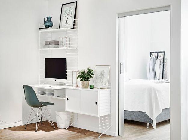 Craquez pour les étagères modulables en guise de bureau