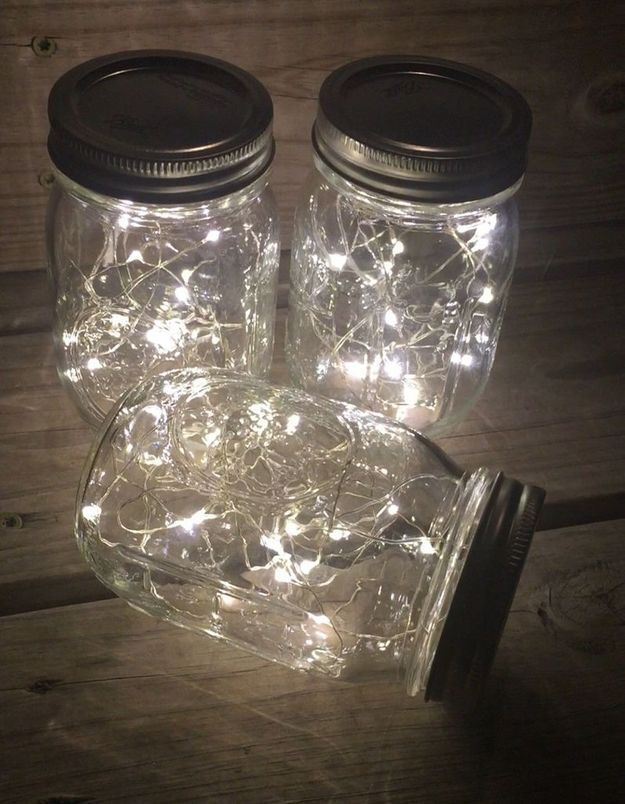 Utilisez vos bocaux vides comme luminaires d'appoint