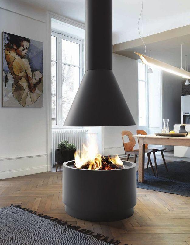 Une cheminée moderne ouverte