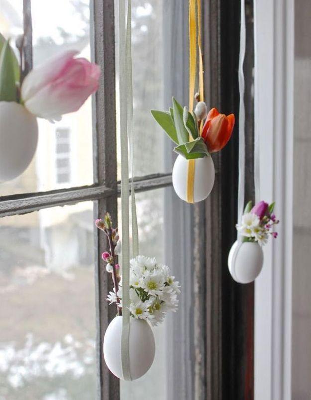 Une décoration d'œufs de Pâques végétale