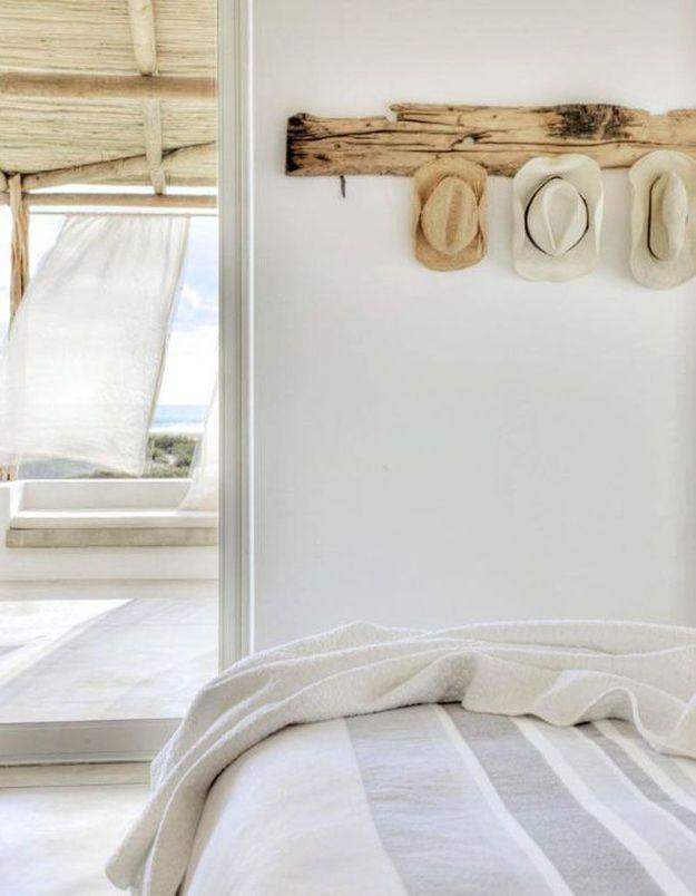 Créer un portemanteau mural à partir de bois flotté