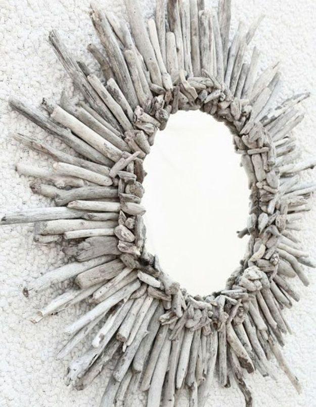 Réaliser un miroir soleil en bois flotté