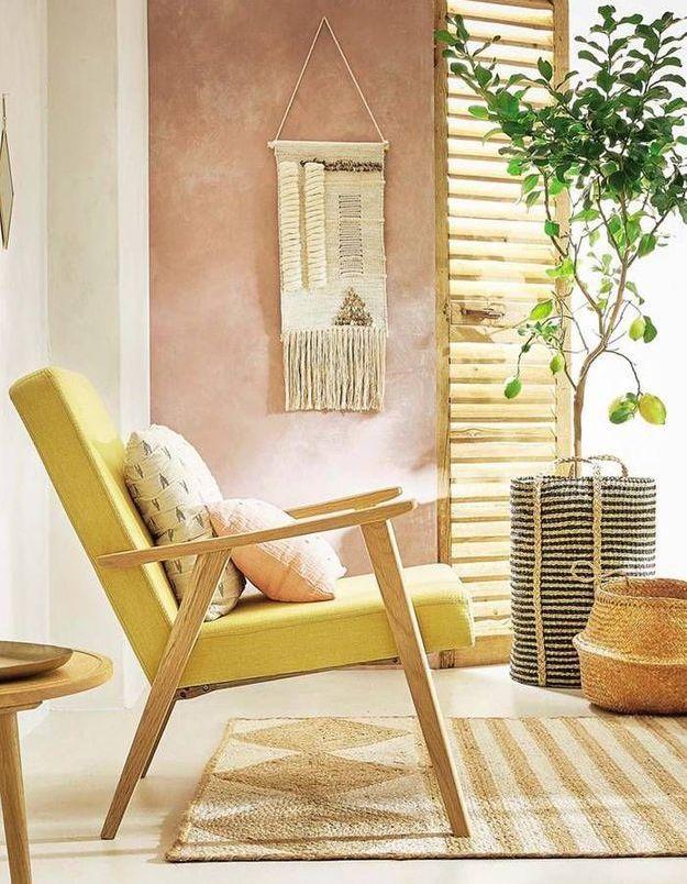 Un fauteuil jaune