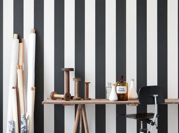 Un élégant papier peint noir et blanc