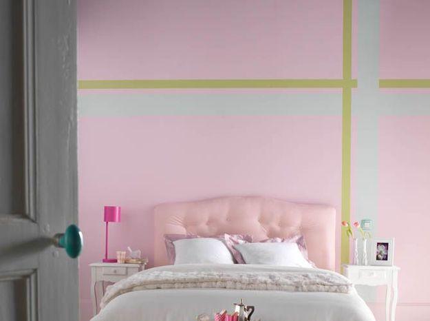 Un mur boosté par des lignes colorées
