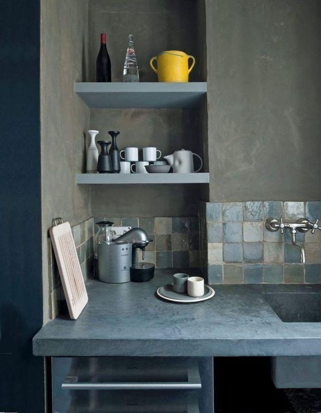 Des zelliges verts dans une cuisine dépaysante