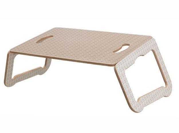Un support pour ordinateur portable en bois