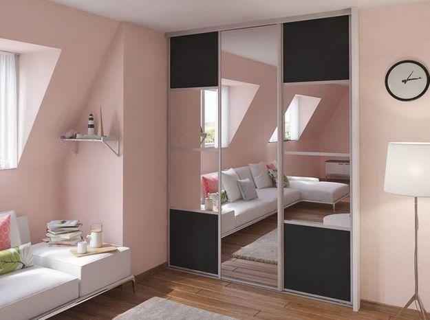 Des portes de placard graphiques avec miroirs