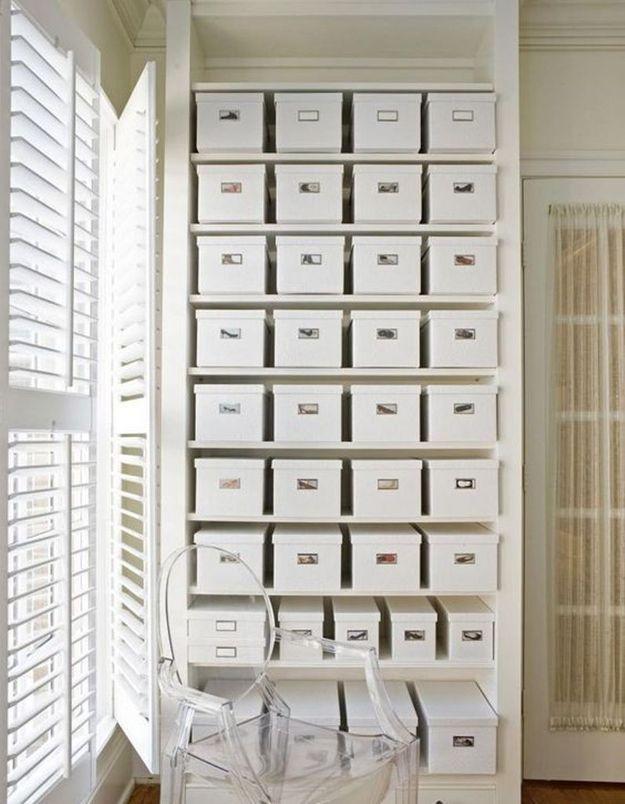 Ranger ses chaussures dans des boîtes de rangement pour papiers