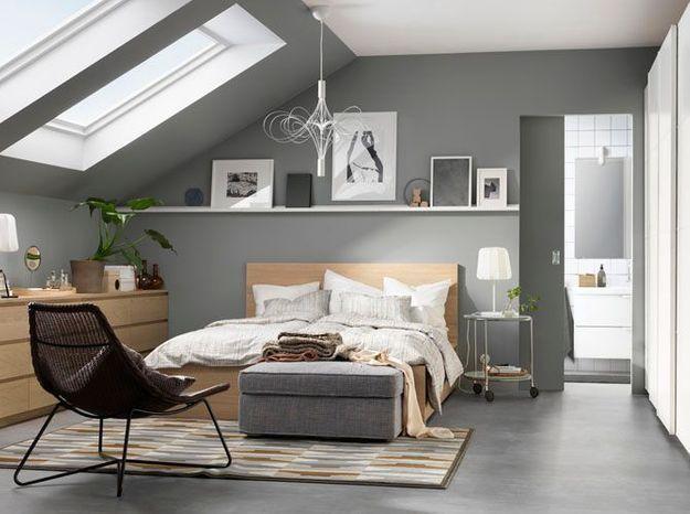 Chambre grise sous les combles
