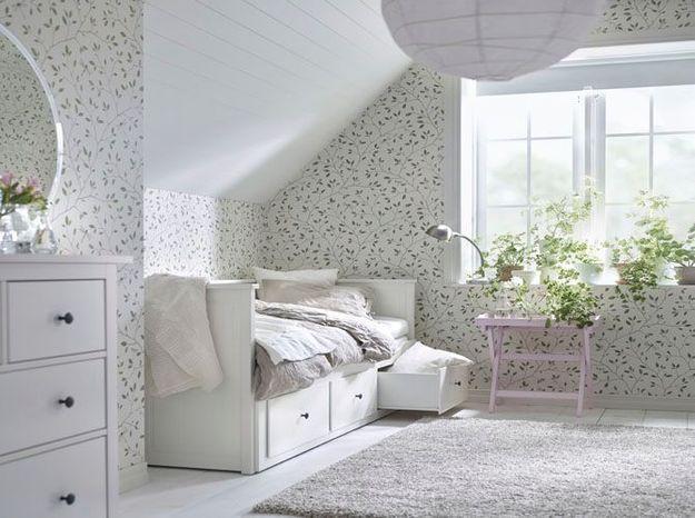 Chambre sous les combles très lumineuse