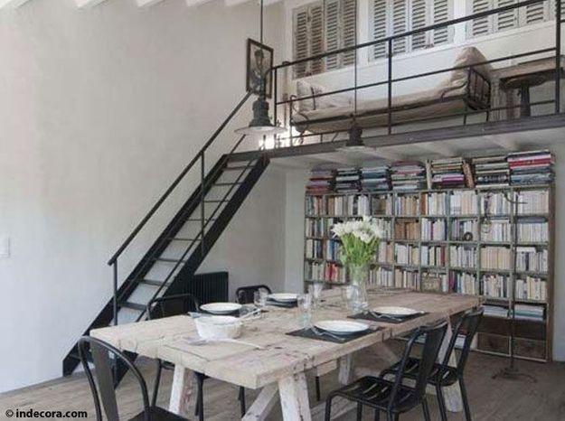 Une pièce à vivre avec une belle mezzanine