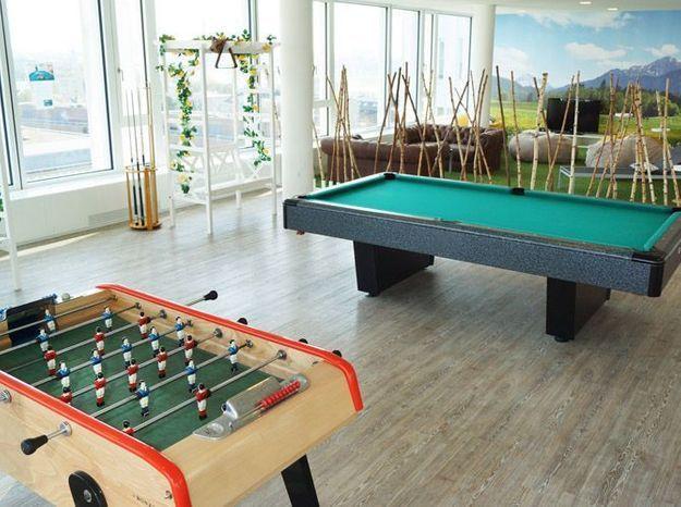 Table de billard salle de jeux
