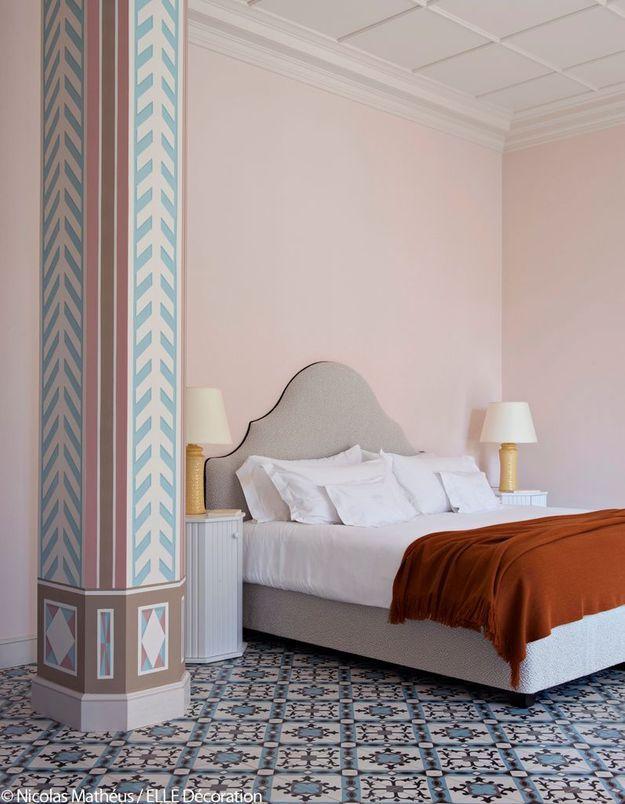 Chambre bleu aquatique et rose poussière