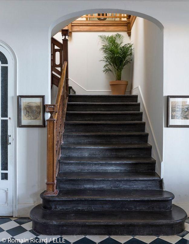 Escalier d'époque en bois