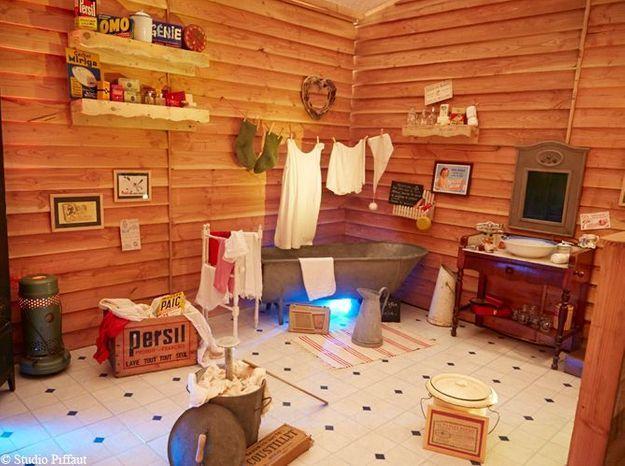 Dans la salle de bains du Père Noël