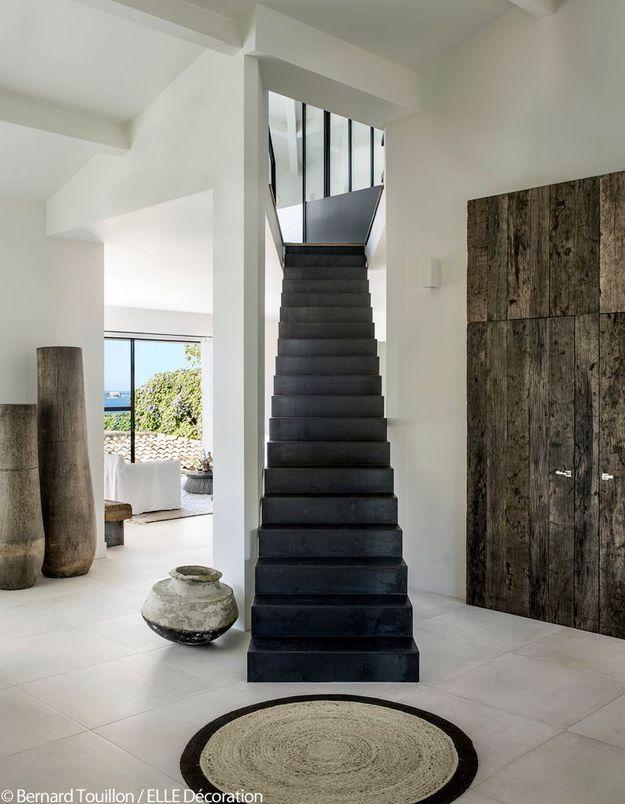 Un escalier comme séparateur de pièces