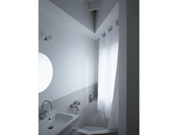 Une mini salle de bains