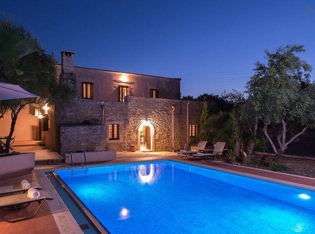 Maison en pierre piscine