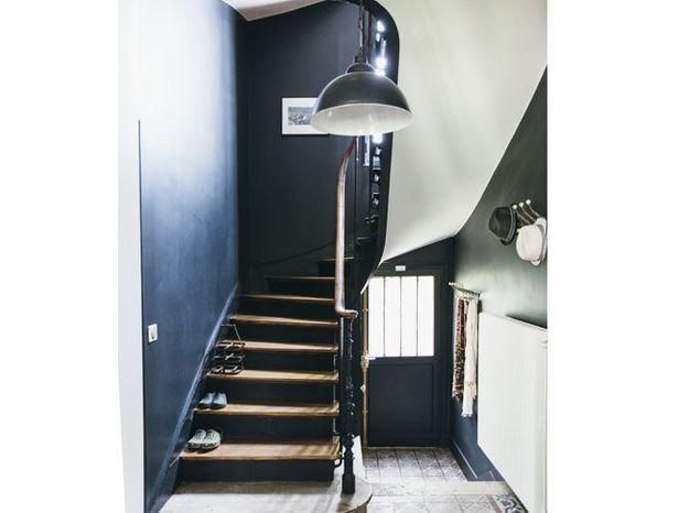 Un escalier noir