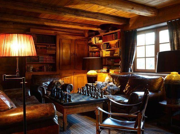La bibliothèque dans le chalet