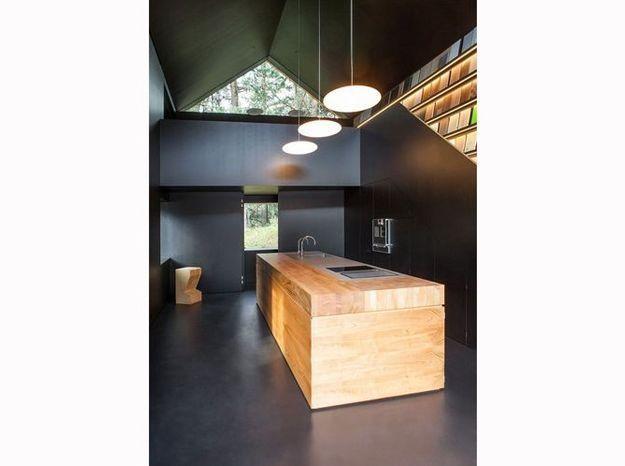 Une cuisine de chalet architecturale