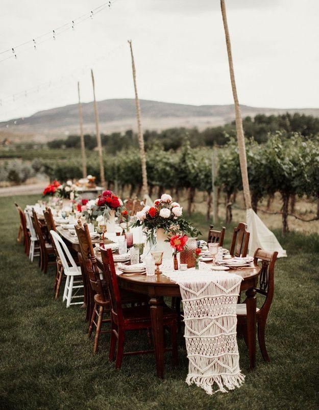 Réaliser un chemin de table en macramé en guise de chemin de table de mariage