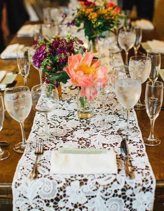 Succomber au chemin de table de mariage en dentelle
