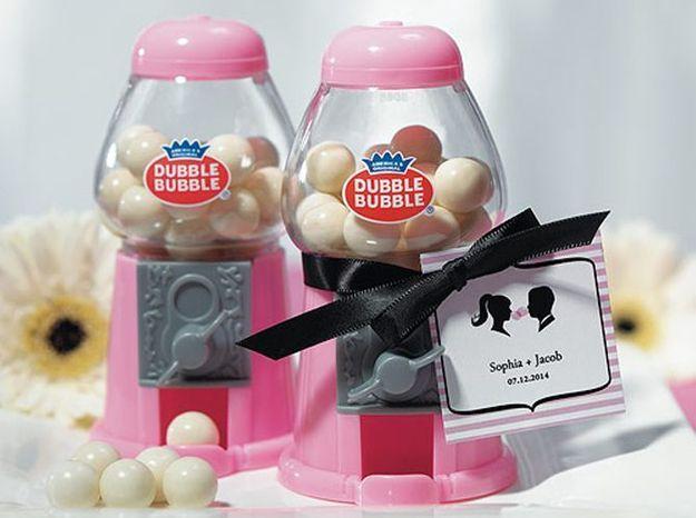 8. Une mini machine à bonbons