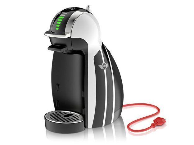Une machine à café pour les pauses entre amis