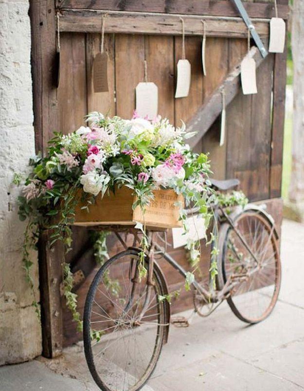 Détournez une ancienne bicyclette en déco florale