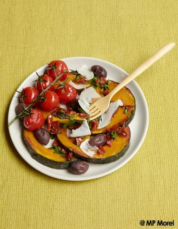Potimarron, tomates et olives rôties