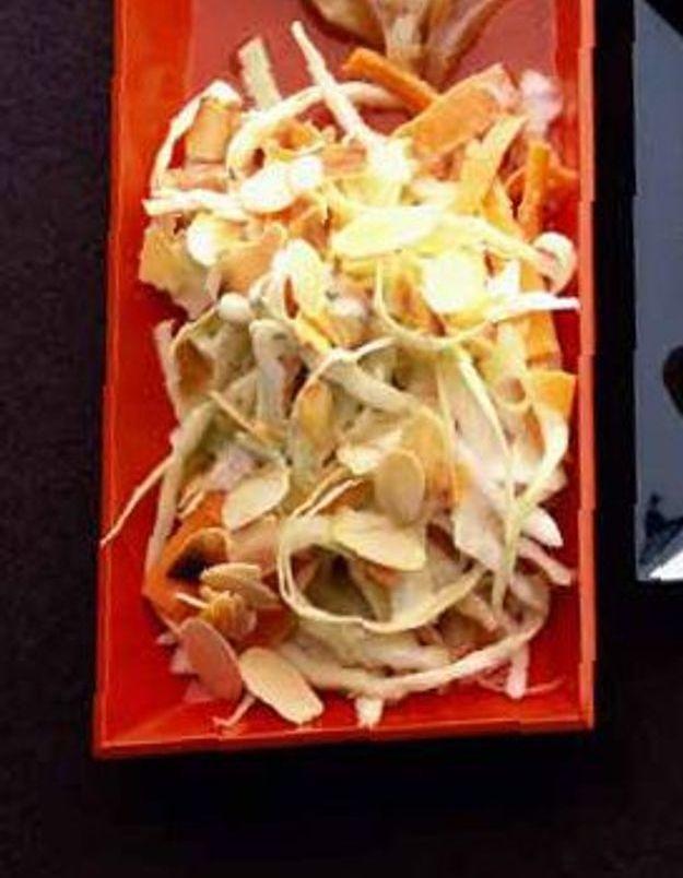 Salade de chou et carottes aux amandes grillees