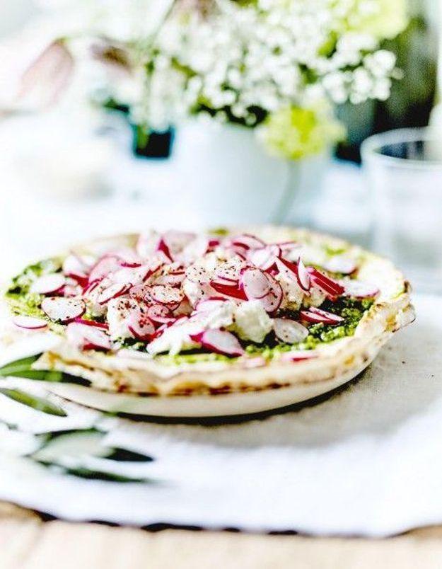 Cuisine recettes été grandes tablées : Foccacia au pesto, ricotta et radis