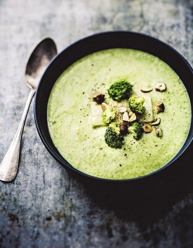 Soupe de légumes : Crème de brocoli légère aux noisettes